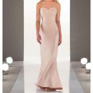 Sorella Vita | Classic Chic Bridesmaid Style 9058